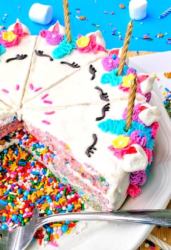 Gâteau de licorne surprise